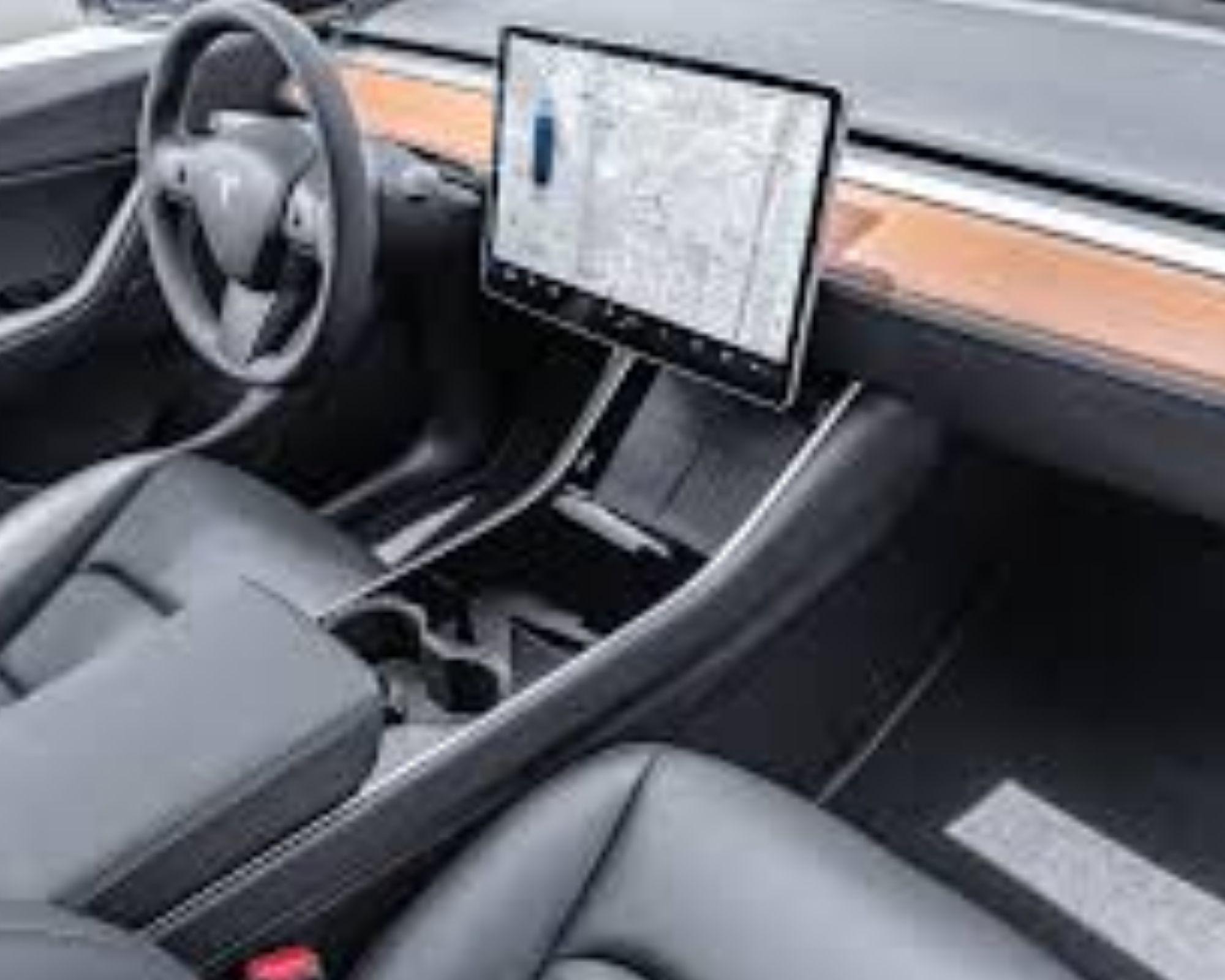 auto tesla interior