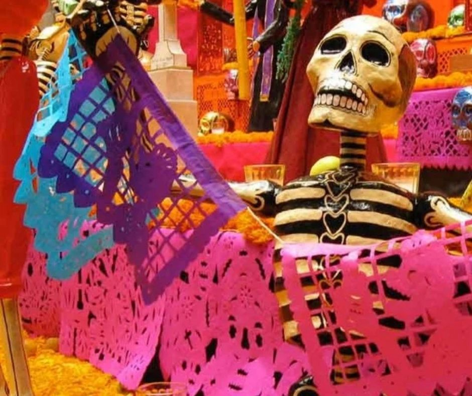Día de Muertos papel picado