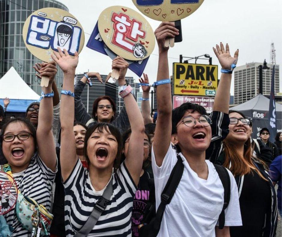 Asiático fans