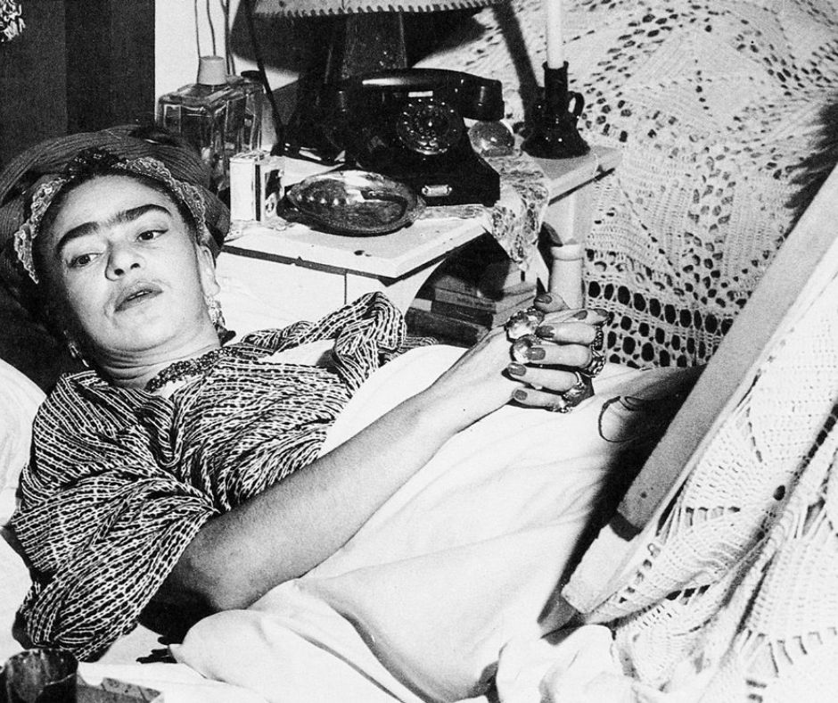 Frida Kahlo en cama