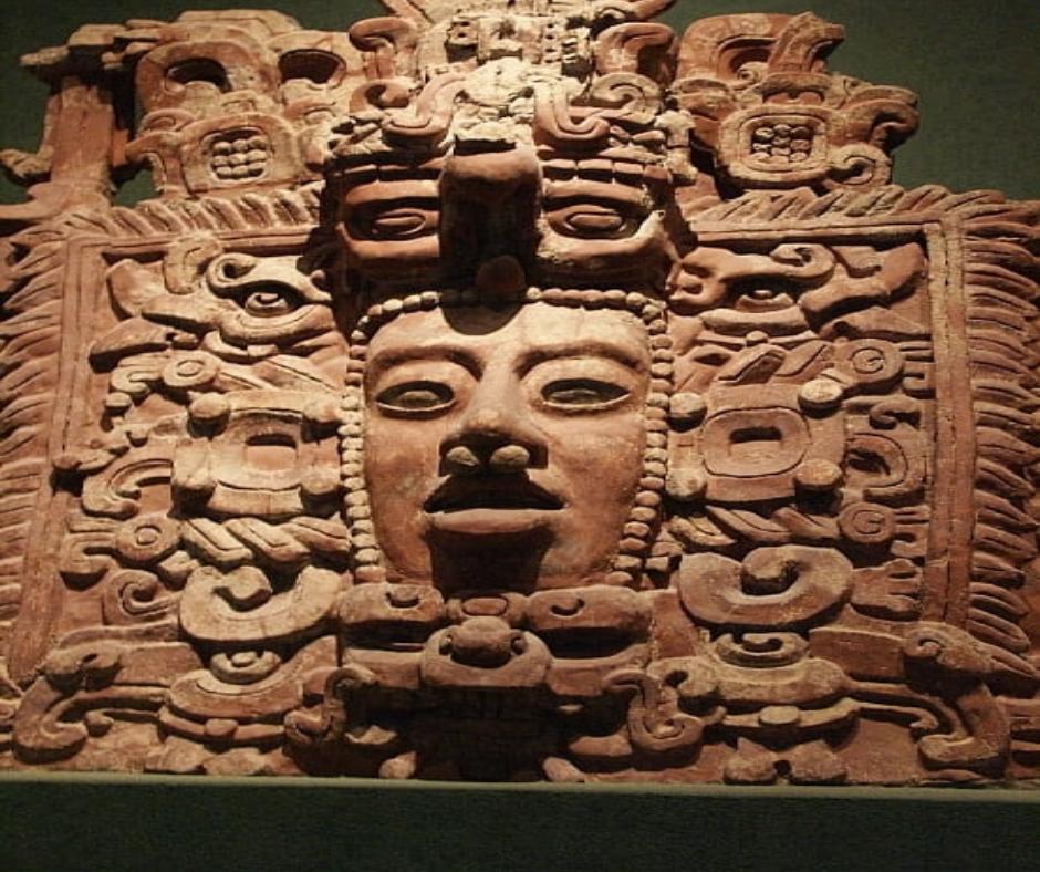 Mitología Maya escultura